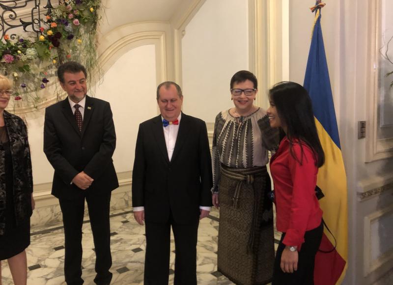 Embajadora de Rumania, S.E. Da. Carmen Liliana PODGOREAN